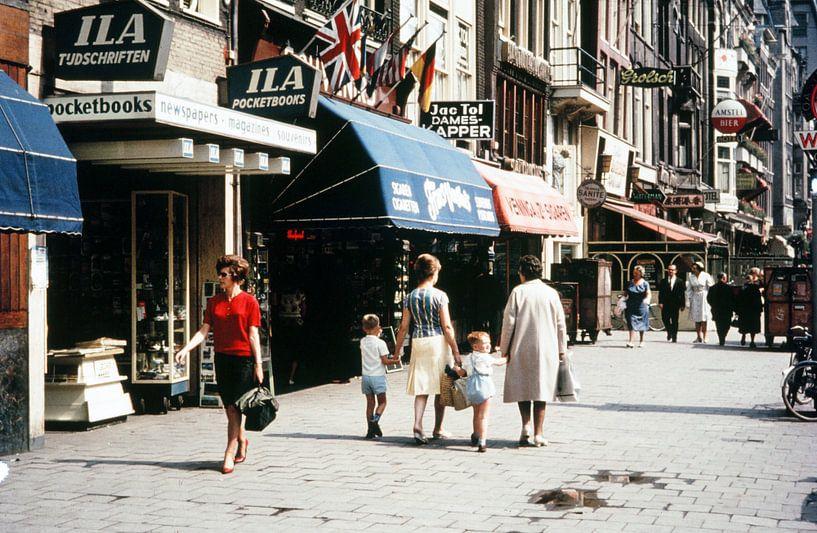 Vintage Amsterdam Damrak  van Jaap Ros
