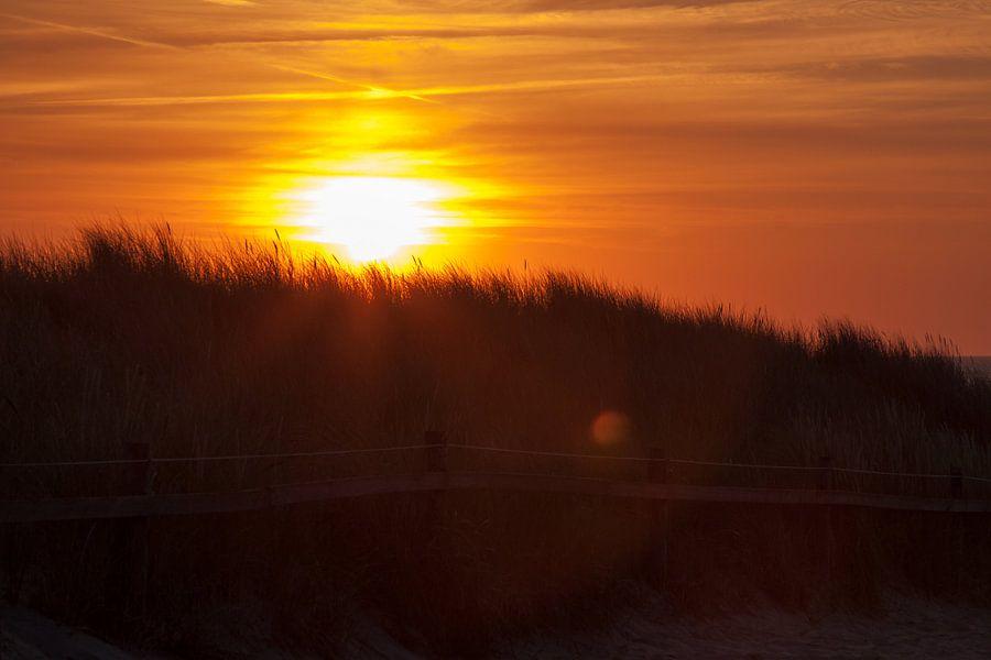 Island Sunset van Maarten Krabbendam