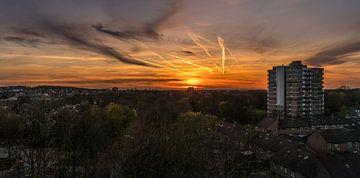 Zonsondergang in de Stad. van Roman Robroek