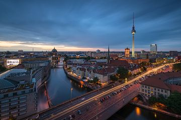 Berlin la nuit sur Robin Oelschlegel