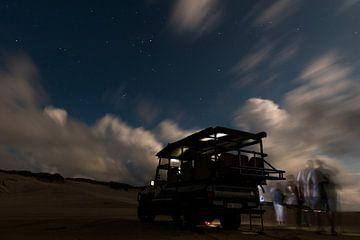 Starry night op het strand van St. Lucia van Jack Koning