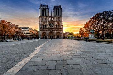 Notre Dame Paris au lever du soleil sur Rene Siebring