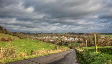 Mooie luchten boven de Keutenberg in Zuid-Limburg van John Kreukniet