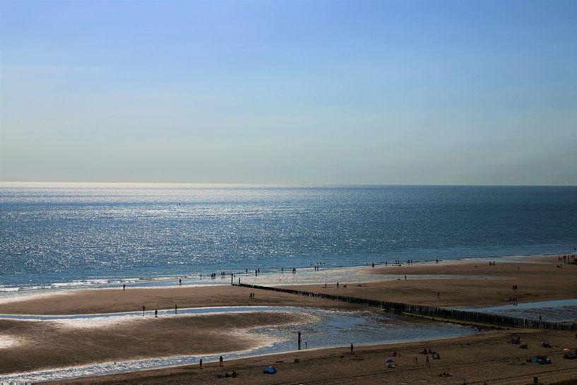 Summer by the  sea van Marco van de Pol