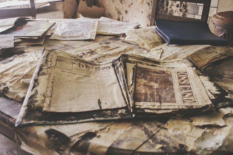 Old papers von Ivana Luijten