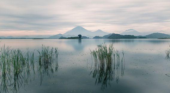Lake Matunda van Raymond van der Zalm