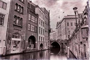 Oudegracht en Stadhuisbrug in zwartwit