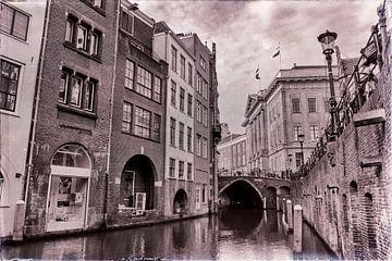 Oudegracht en Stadhuisbrug in zwartwit von Jan van der Knaap