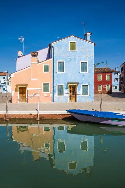 BURANO Colorful Italian Buildings van Melanie Viola