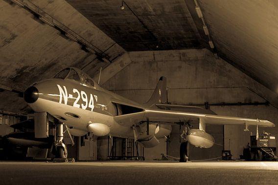 Hawker Hunter in een shelter
