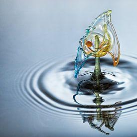 Waterdruppel in drie kleuren van Focco van Eek
