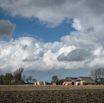 Aardappelkisten bij boerderij van Bo Scheeringa Photography