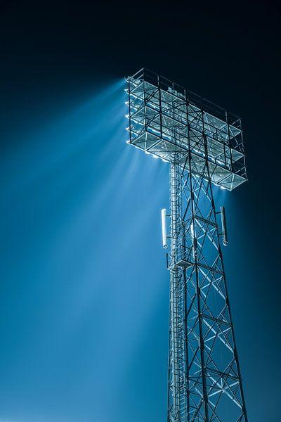 Lichtmast van De Kuip bij het Feyenoord Stadion van Mark De Rooij