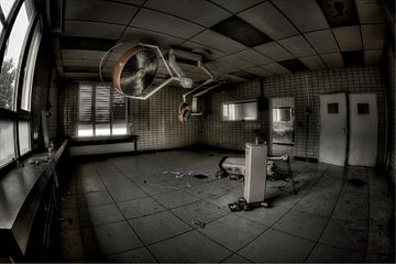 Operationssaal des verlassenen Krankenhauses von