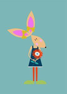 KONIJN met bloem van Ellis Busscher