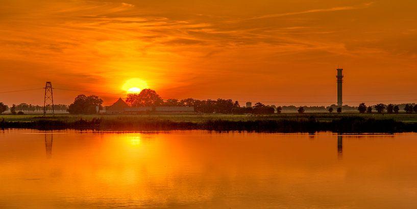 Spannenburger zonsondergang van Harrie Muis