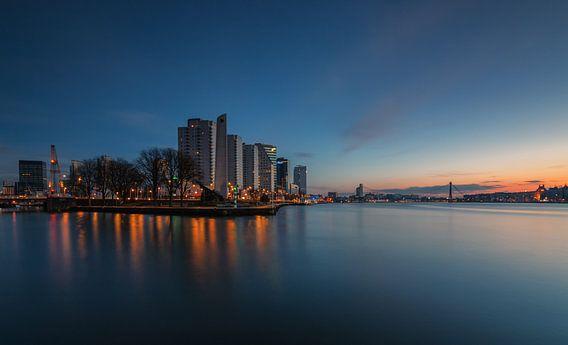 Morning glow in Rotterdam van Ilya Korzelius