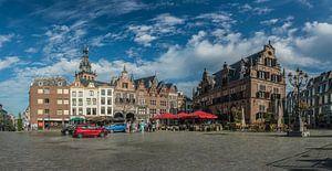 De Sint-Stevenskerk en de Boterwaag op de Grote Markt van Nijmegen van Jeroen de Jongh