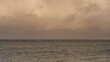 Avond boven de Waddenzee van Dick Doorduin