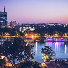 Belgrad - Skyline zur Blauen Stunde von Alexander Voss