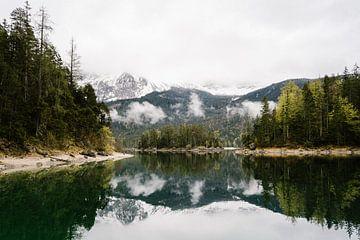 Landschaft spiegelbildlich von Wianda Bongen