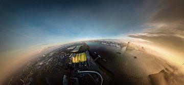 Sphärisches Panorama bei Sonnenaufgang vom Hamburger Hafen von Jonas Weinitschke