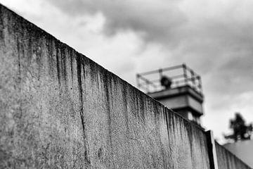 Berlijnse Muur met wachttoren