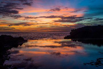 Zonsondergang boven Nusa Lembongan van Hugo Braun