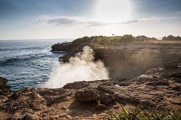 Die Küstenlinie der indonesischen Insel Bali. von Martijn Bravenboer