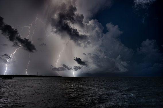 Onweer op zee van M DH