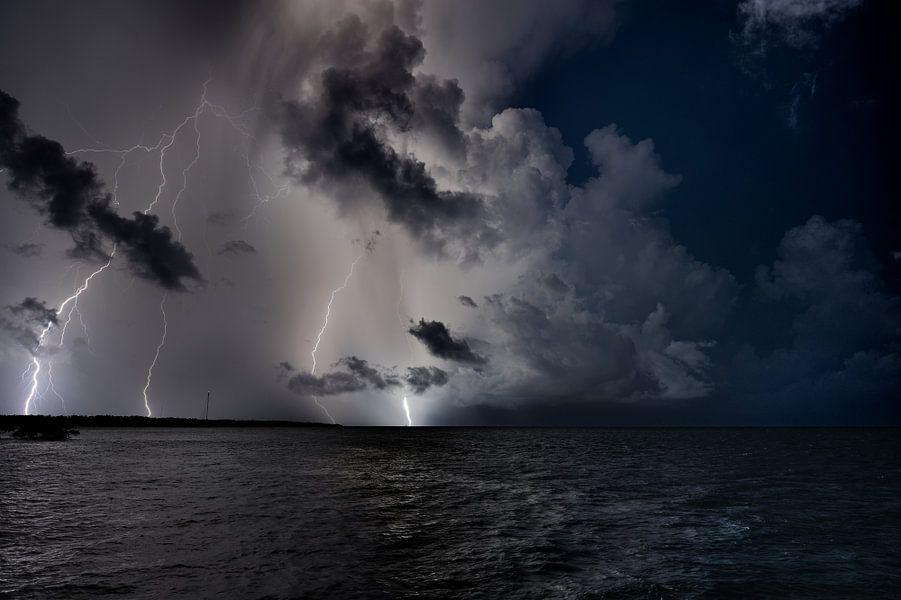 Onweer op zee
