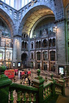 Centraal station Antwerpen van R. de Jong