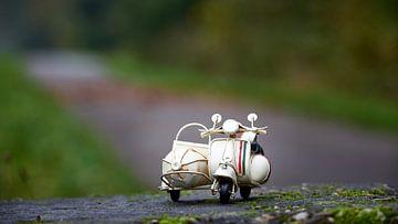 Italiaanse speelgoed scooter van Jenco van Zalk