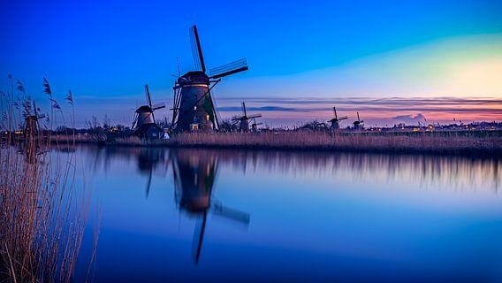 Blue Hour Kinderdijk van Michael van der Burg
