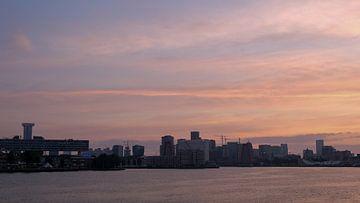 Skyline Rotterdam, Rotterdam, Nederland van themovingcloudsphotography
