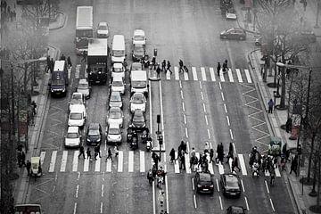Walking Avenue des Champs-Élysées von Teus van Keulen
