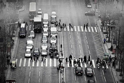 Walking Avenue des Champs-Élysées van Teus van Keulen