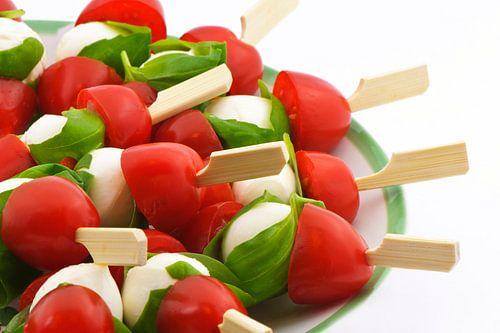 Mozzarella met tomaat en basilicum von Barbara Brolsma