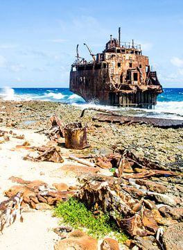 Schiffbruch bei Klein Curacao von Joke Van Eeghem