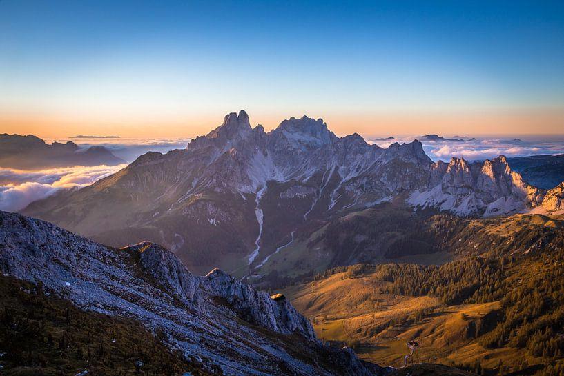 """Berglandschap  """"In Het Laatste Licht"""" van Coen Weesjes"""