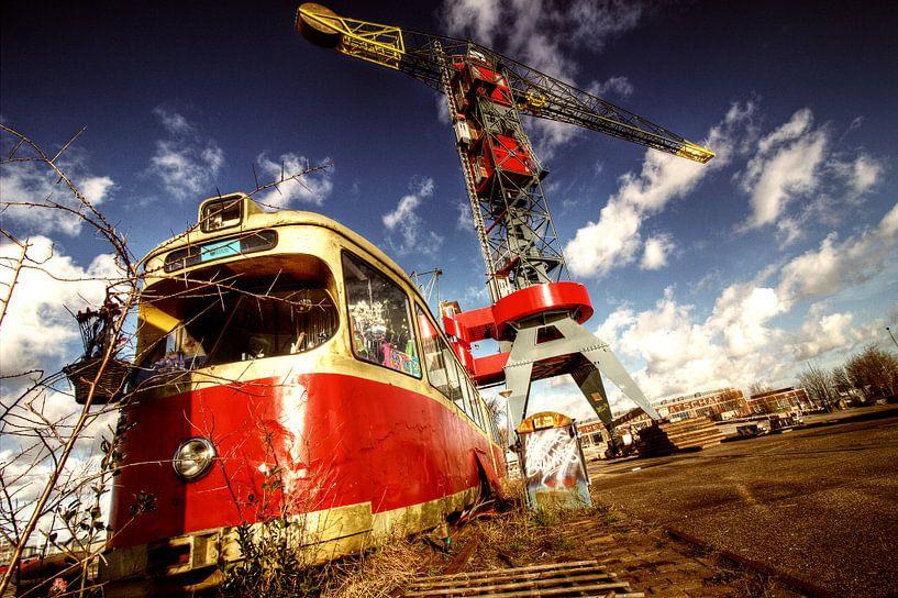 NDSM Train part 1 van Marijn Bouwhuis