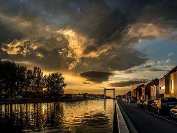 Zonsondergang langs het kanaal van Albert Verborgh