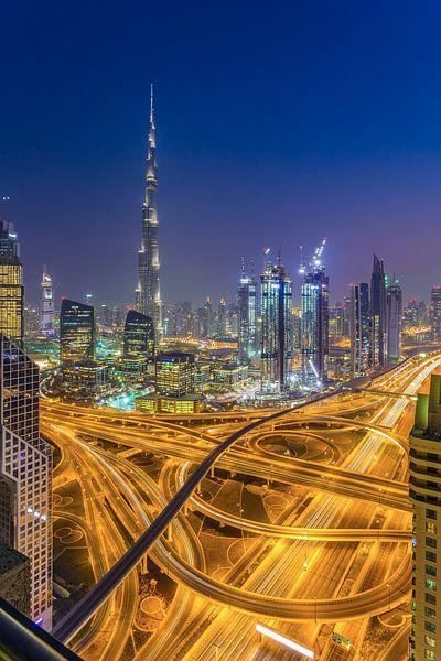 Dubai by Night - Burj Khalifa en Downtown Dubai - 3 van Tux Photography