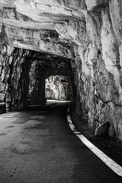Tunnel Brasa Schlucht Tremosine Italië van Jefra Creations