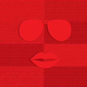 Gezicht met rode lippen en zonnebril van sarp demirel