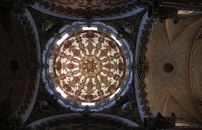 kerk koepel met beschildering van Jan Katuin