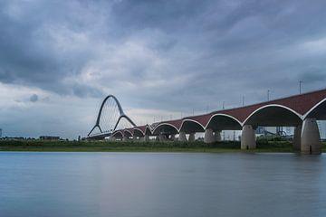 De Oversteek, brug bij Nijmegen