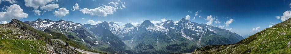 Panorama berglandschap van het Großglockner massief, Hohe Tauern, Oostenrijk van Martin Stevens