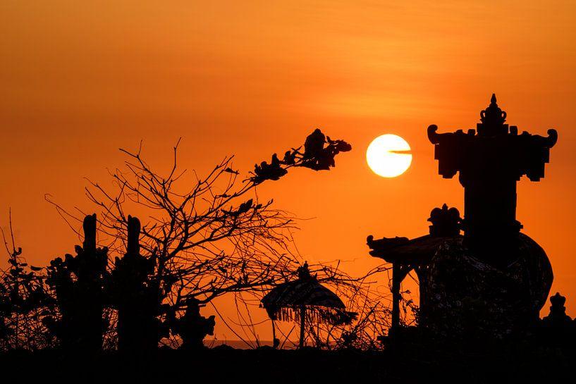 Zonsondergang op Bali van Klaas Stoppels