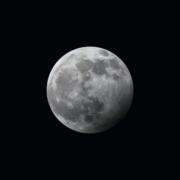 Der Mond - halb verfinstert - schwarz von Mario Verkerk